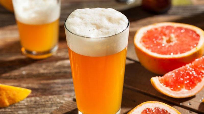 Tắm trắng bằng bia và nước cam