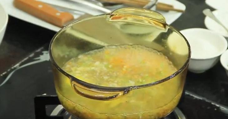 nấu cháo thịt bò cà rốt