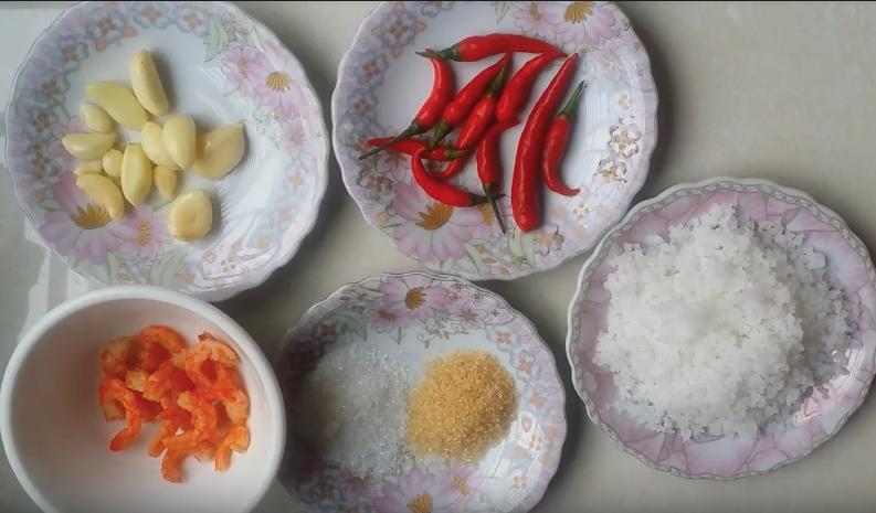 Nguyên liệu món ăn cách làm muối tôm tây ninh bằng tôm khô và vỏ tôm