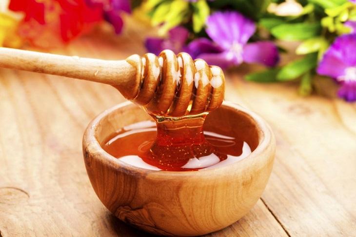 Tỏi đen với mật ong hiệu quả trong việc điều trị cảm cúm, viêm họng, cảm lạnh