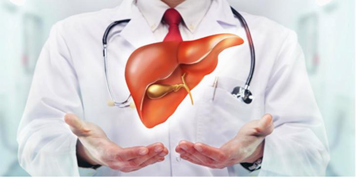 Người mắc các bệnh về gan khi ăn tỏi đen sẽ dẫn đến cảm giác buồn nôn