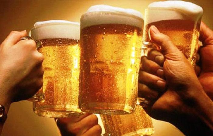 Ho không nên uống các loại đồ uống có cồn, có gas