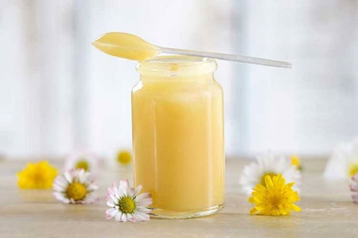 Sữa ong chúa là gì? Tác dụng của sữa ong chúa