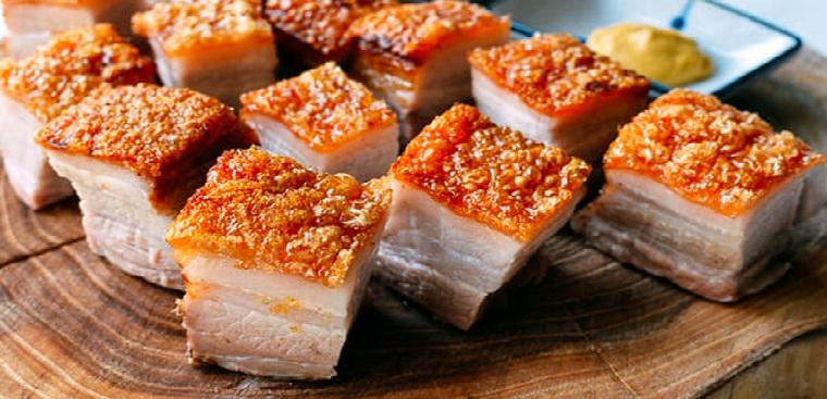 Cách làm thịt quay bằng lò vi sóng
