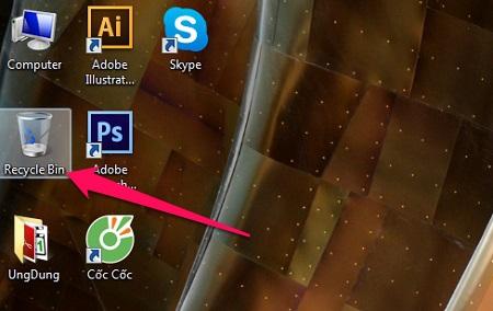 Chọn Recycle Bin xuất hiện trên màn hình máy tính