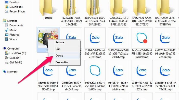 Click chuột chọn tất cả file, nhấp chuột phải Delete là xong