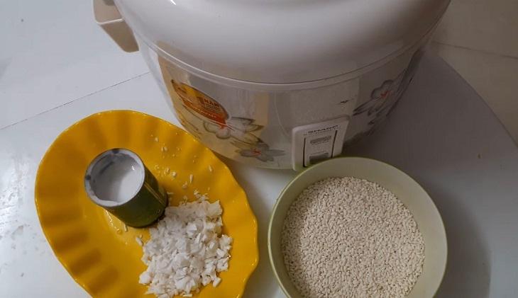 Nguyên liệu món ăn cách nấu xôi dừa bằng nồi cơm điện
