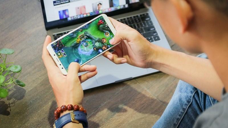 Xiaomi Mi A2 camera kép, chip Snapdragon 660 giảm giá cực sốc