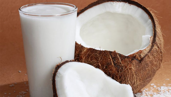 Sử dụng nước cốt dừa để làm mọc tóc