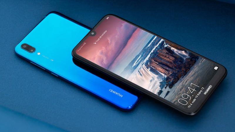 Bộ 3 smartphone mới giá rẻ, pin trâu,... đáng sắm