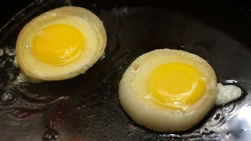 Cách làm món trứng ốp la hình con heo