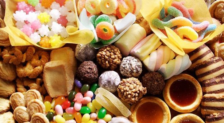 Cách giúp bánh kẹo thơm ngon lâu trong ngày Tết
