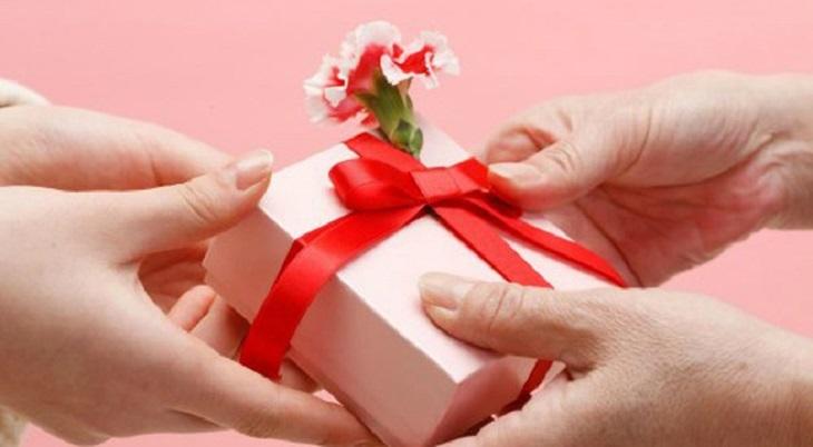 tặng quà tết cho vợ