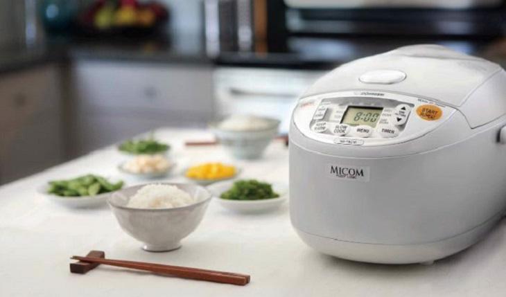 Tặng nồi cơm điện giúp bữa cơm gia đình thêm tròn vị