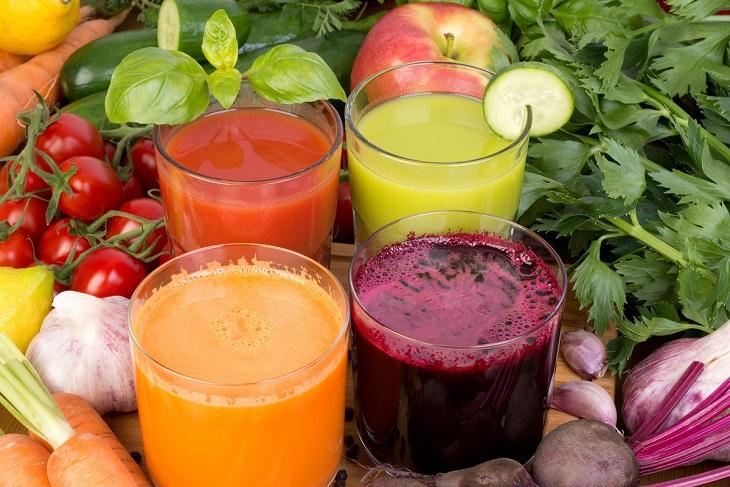 Tặng máy ép sinh tố tạo điều kiện cho vợ đẹp hơn khi chăm uống sinh tố, nước ép trái cây mỗi ngày