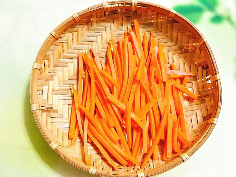 Bước 1 Sơ chế cà rốt Mứt cà rốt dẻo