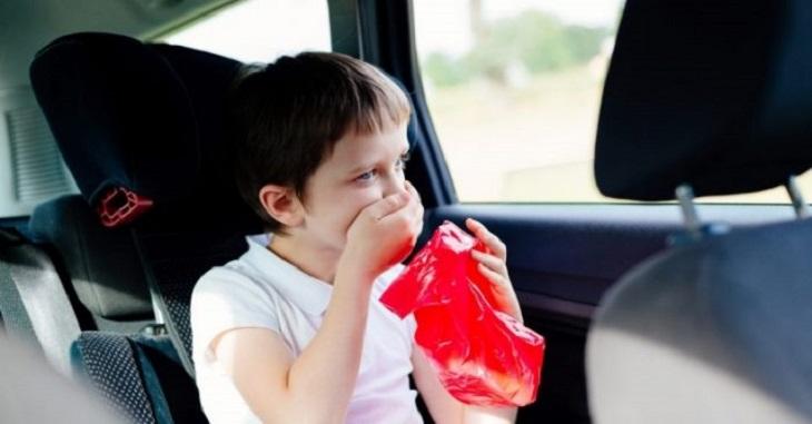 Gợi ý một số mẹo chống say tàu xe ở trẻ em