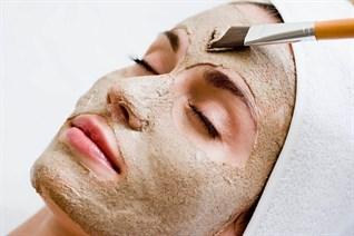10 công thức mặt nạ trị mụn tại nhà, giúp nàng có làn da tươi sáng đón Tết
