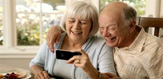 """4 mẹo giúp Smartphone trở nên """"dễ dùng"""" hơn với người lớn tuổi"""