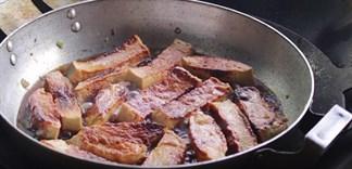 Tận dụng chả lụa để làm món ăn này cực kỳ bắt cơm