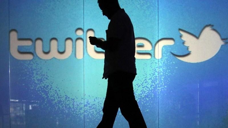 Điện thoại Huawei tự xóa ảnh người dùng tải từ ứng dụng Twitter