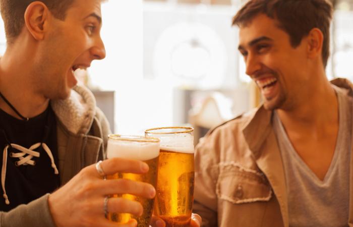 Hành động và lời nói của người bình thương và người say rượu
