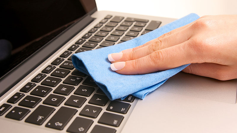 ve-sinh-laptop