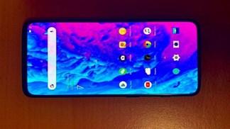 OnePlus 7 xuất hiện thực tế với màn hình không viền đẹp mắt
