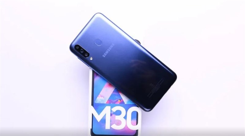 Mở hộp Samsung Galaxy M30 và những ấn tượng đầu tiên
