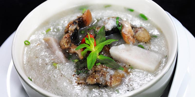 Cháo lươn nấu khoai môn