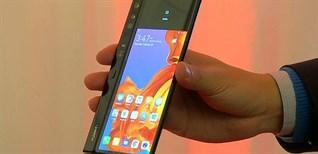 """Smartphone màn hình gập """"xâm chiếm"""" thị trường, đâu là thiết bị ấn tượng nhất?"""
