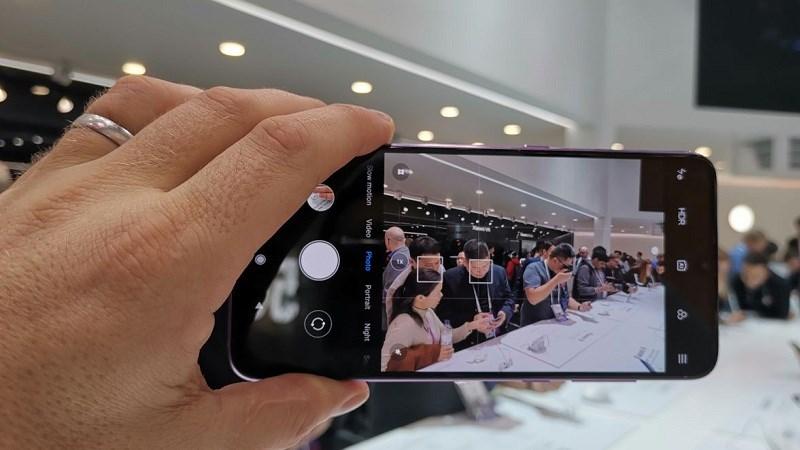 CEO Lei Jun hứa sẽ chung tay lắp ráp Mi 9 nếu không đủ sản lượng