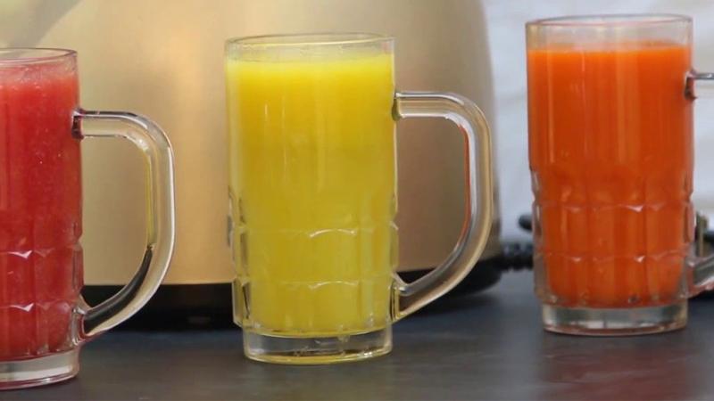 Sinh tố đóng chai làm nước ép trái cây