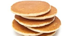 Làm bánh pancake tại nhà đơn giản không cần bột nở, lò nướng