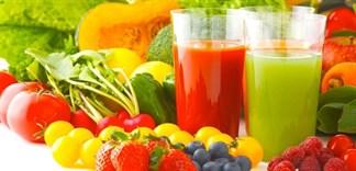 Sinh tố đóng chai và sinh tố từ trái cây tươi nên chọn loại nào?