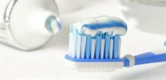 Dùng quá nhiều kem đánh răng, sai lầm khiến răng hư hỏng