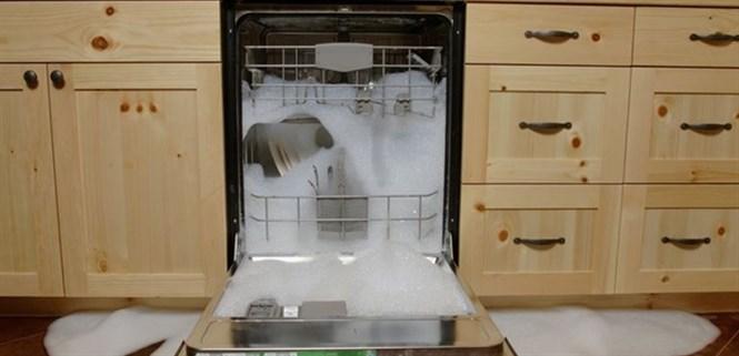 Những lỗi thường gặp khi sử dụng máy rửa chén