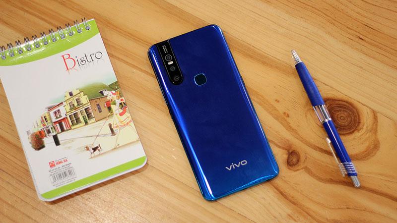 Trên tay nhanh Vivo V15