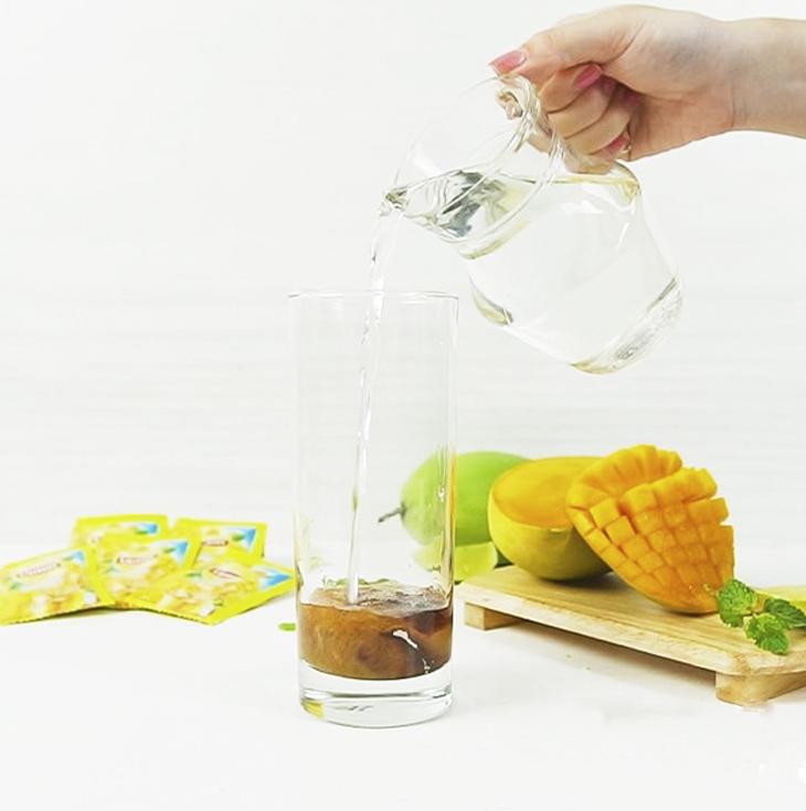 Pha trà hương xoài Lipton Ice Tea