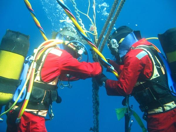 cáp quang biển liên á