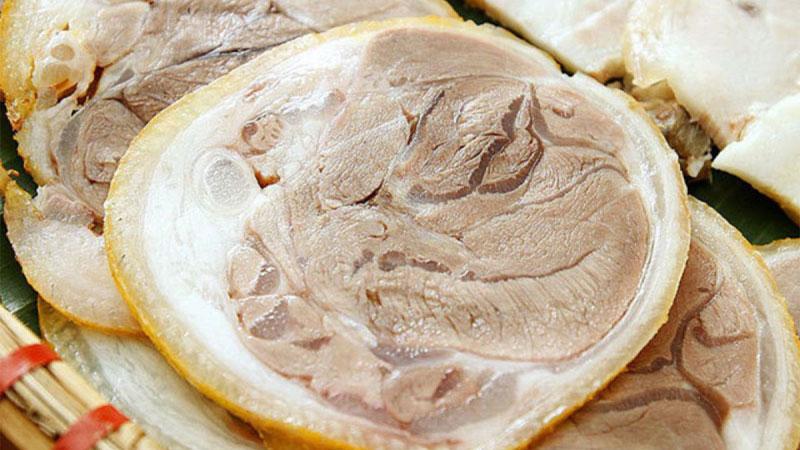 Bạn cần luộc thịt trong vòng 20 - 30 phút để thịt heo vẫn giữ được độ mềm, ngon, ngọt và không bị khô.
