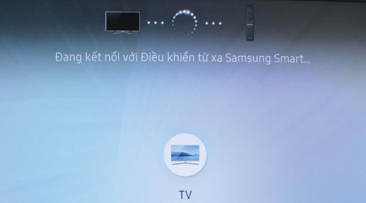 Tivi đang nhận tín hiệu kết nối của Remote