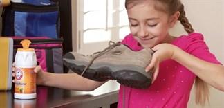 Mách bạn cách khử mùi hôi giày cực kì hiệu quả bằng baking soda