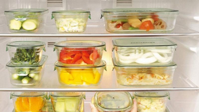 Dùng thiết bị thuỷ tinh hoặc sành sứ để bảo quản thực phẩm