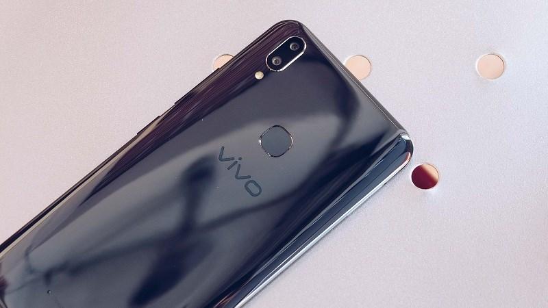 Chiếc smartphone Vivo mới vừa được TENAA chứng nhận có mặt lưng giống với Vivo V9