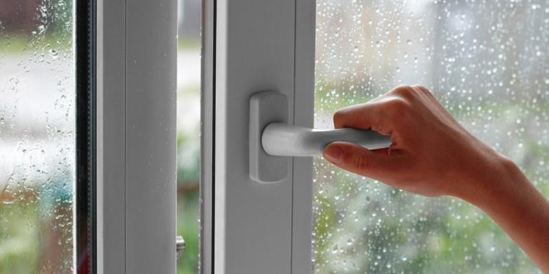 Hạn chế ẩm, chống muỗi cho nhà cửa