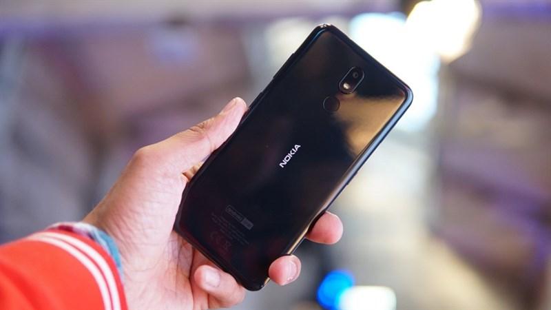 """Nokia 3.2 lên kệ Thế Giới Di Động: Màn hình lớn, pin """"khủng"""", giá rẻ"""