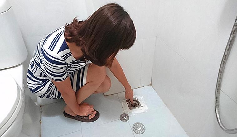 Không cần đội hút cống bạn vẫn có thể khử mùi hôi cống trong nhà