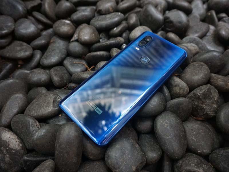 Motorola One Vision ra mắt: Màn hình đục lỗ, chip Exynos 9609, camera 48MP - ảnh 2