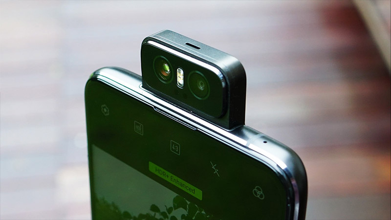 So sánh ZenFone 6 và Galaxy S10: Màn hình nốt ruồi hay camera lật? - ảnh 4